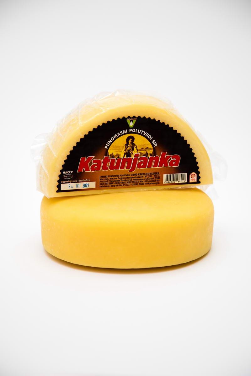 Punomasni polutvrdi sir